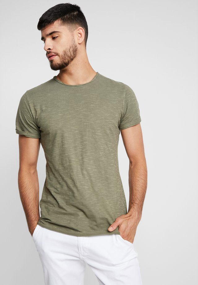 ALAIN - T-Shirt basic - army