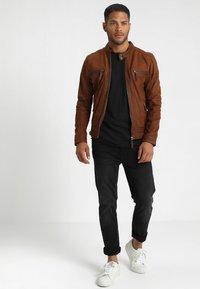 INDICODE JEANS - ALAIN - T-shirt basic - black - 1