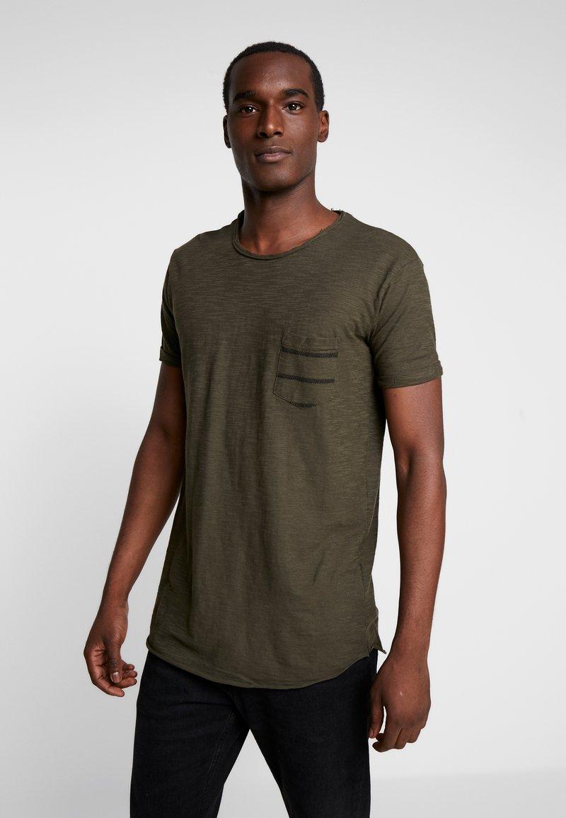 INDICODE JEANS - VILLENEUVE - T-shirt imprimé - army