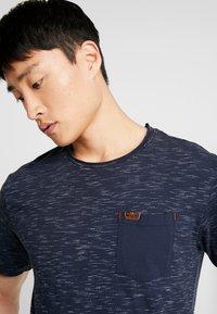 INDICODE JEANS - HULSA - T-shirt print - navy - 3