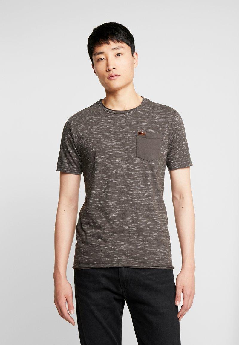 INDICODE JEANS - HULSA - T-shirt print - charcoal mix