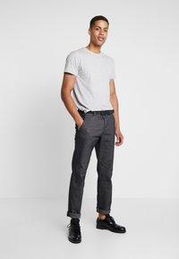 INDICODE JEANS - AARS 2 PACK - T-shirt basic - light grey - 0