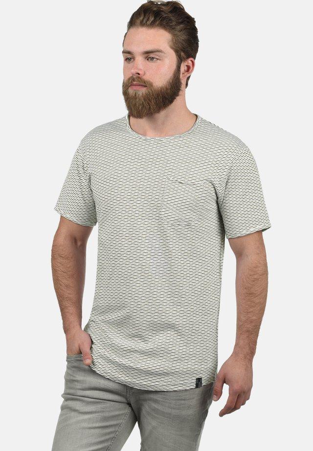 ALBIN - Print T-shirt - army