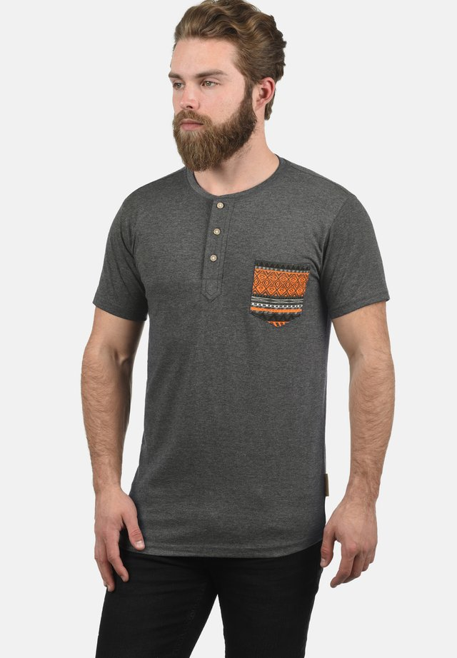 ART - Print T-shirt - grey mix