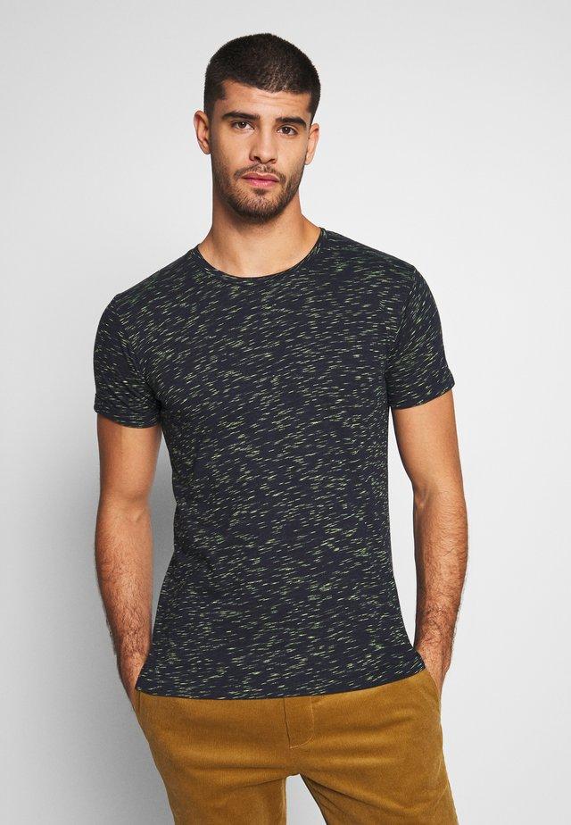 NANTERRE - T-shirt med print - navy