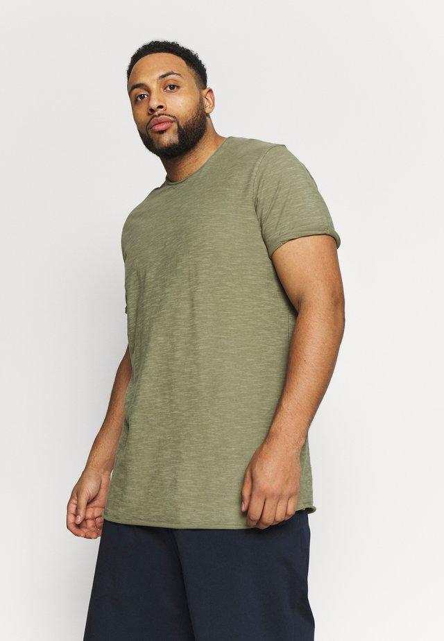 ALAIN - T-shirts - army