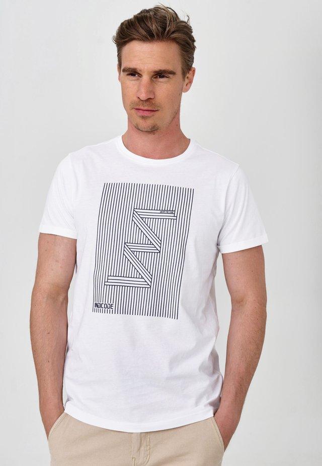 EASON - T-shirt z nadrukiem - optical white