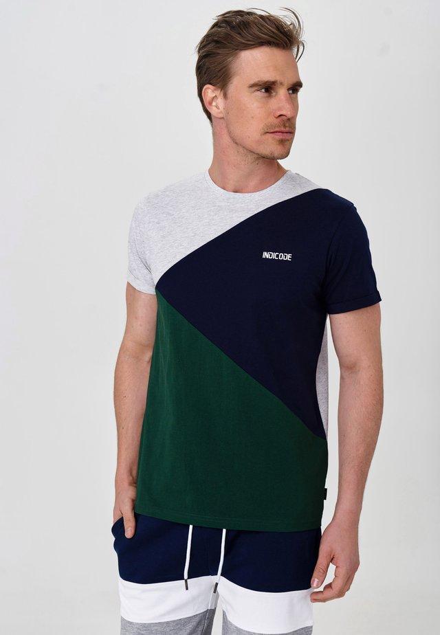 ECHARD - T-Shirt print - pineneedle