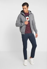 INDICODE JEANS - DOMINION - Mikina na zip - grey mix - 1