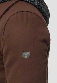 INDICODE JEANS - Abrigo corto - brown - 5
