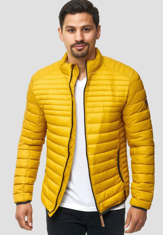 REGULAR FIT - Light jacket - golden yellow