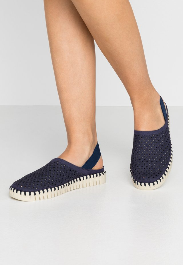 TULIP - Loaferit/pistokkaat - navy