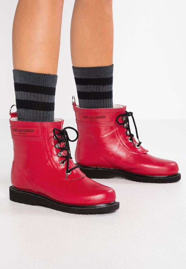 Wellies - deep red