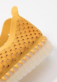 Ilse Jacobsen - TULIP LUX - Slip-ons - golden rod - 2