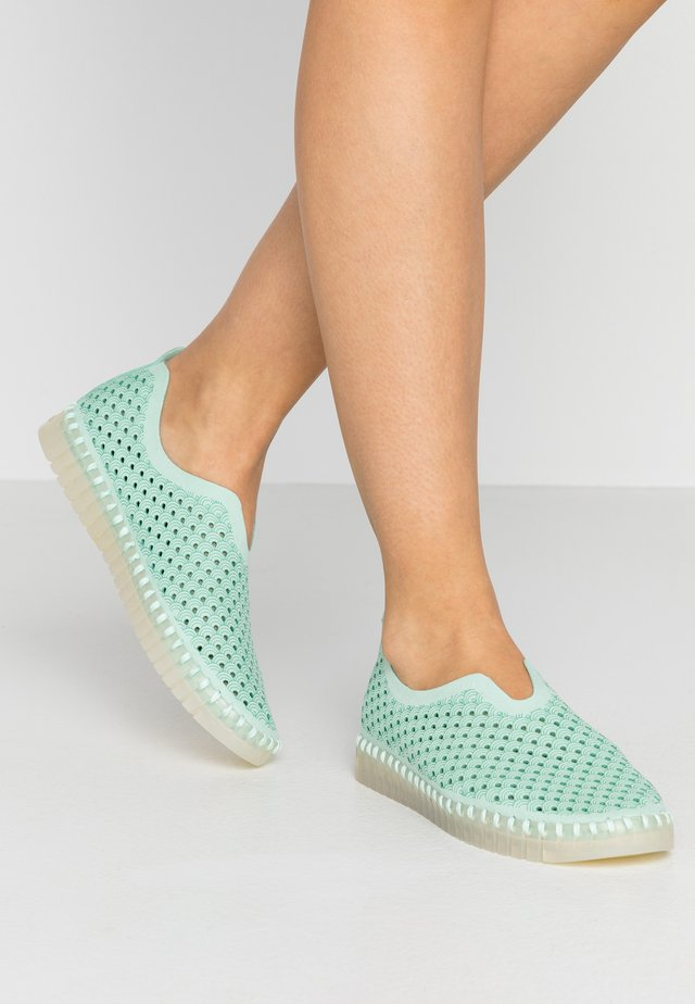 TULIP LUX - Loaferit/pistokkaat - laurel green