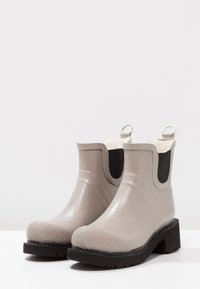Ilse Jacobsen - Wellies - atmosphere