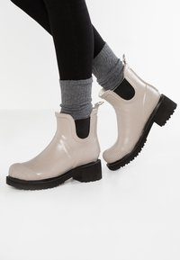 Ilse Jacobsen - Wellies - atmosphere - 0