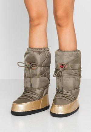 MOON 9070 - Zimní obuv - army