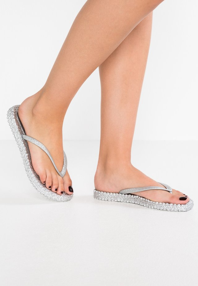 CHEERFUL - Teenslippers - silber