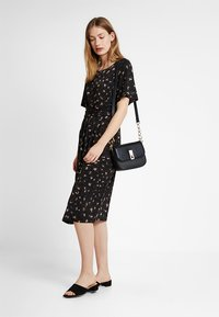 Ilse Jacobsen - CREZIA - Jersey dress - black - 1