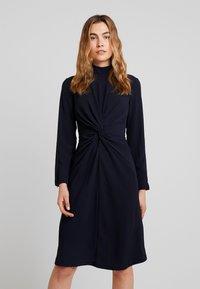 Ilse Jacobsen - DRESS - Vapaa-ajan mekko - dark indigo - 0