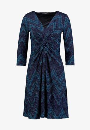 Pletené šaty - poseidon