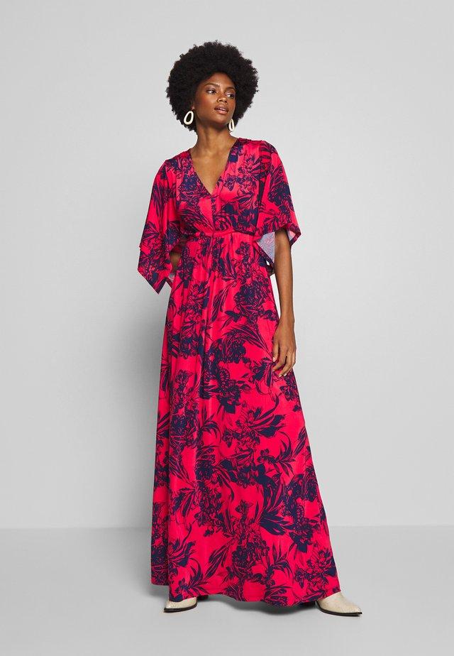 NICE - Długa sukienka - rasberry