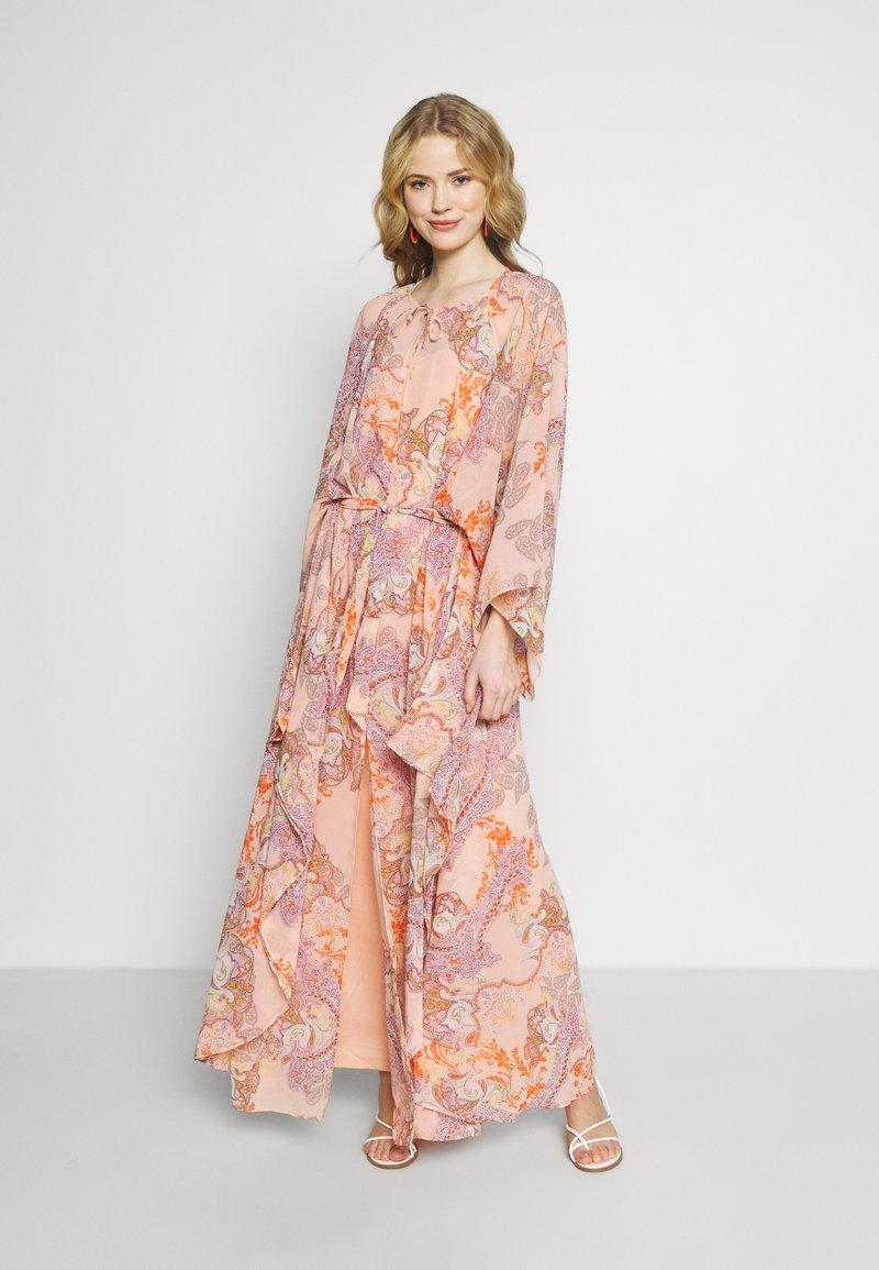 Ilse Jacobsen - LUMY - Maxi šaty - coral blush