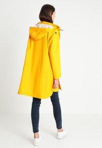 Ilse Jacobsen - TRUE RAINCOAT - Parka - cyber yellow - 2