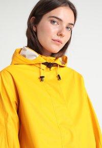Ilse Jacobsen - TRUE RAINCOAT - Parka - cyber yellow - 4