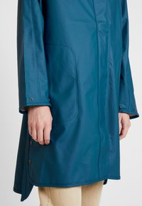 Ilse Jacobsen - TRUE RAINCOAT - Parka - arctic - 6