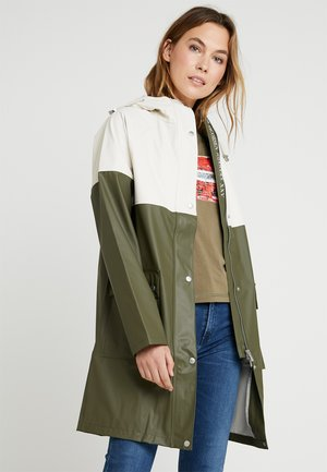 RAINCOAT - Parka - army