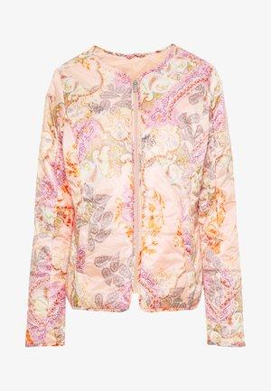 AIRLEY - Lehká bunda - coral blush