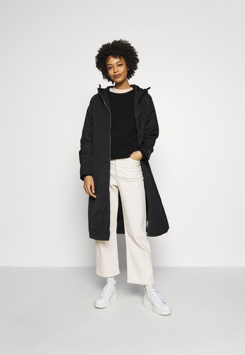 Ilse Jacobsen - SPRAY - Trenchcoat - black