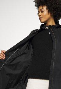 Ilse Jacobsen - SPRAY - Trenchcoat - black - 3