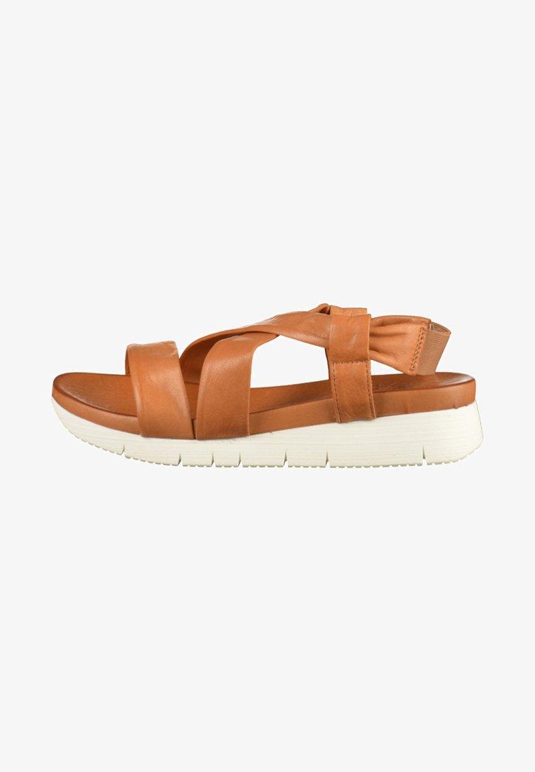 ILC - Sandały na platformie - brown