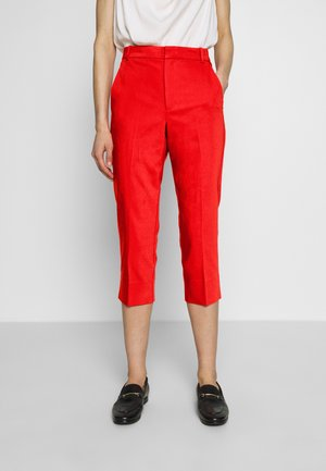 ZELLA CAPRI PANT - Trousers - spicy red