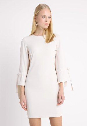 ZELDA DRESS  - Cocktailkleid/festliches Kleid - french nougat