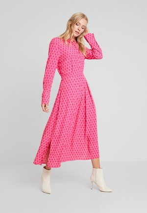 LOGAN DRESS - Skjortklänning - pink