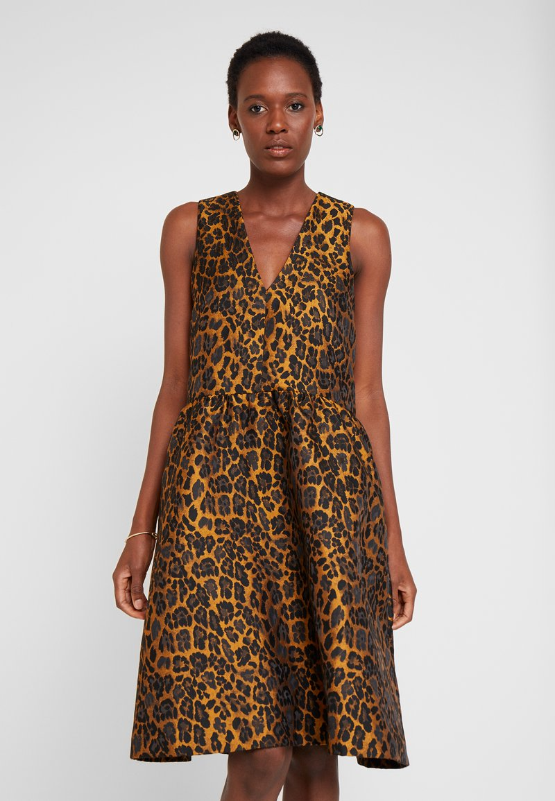 InWear - MOUNA DRESS - Sukienka koktajlowa - gold