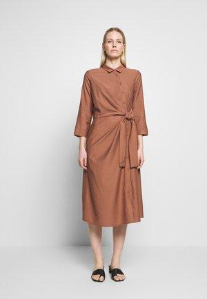 ROXI DRESS - Day dress - cinnamon