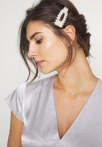 InWear - ROSEMARYIW DRESS - Denní šaty - silver - 4