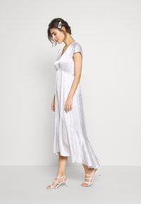 InWear - ROSEMARYIW DRESS - Denní šaty - silver - 1