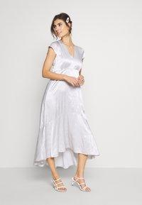 InWear - ROSEMARYIW DRESS - Denní šaty - silver - 0