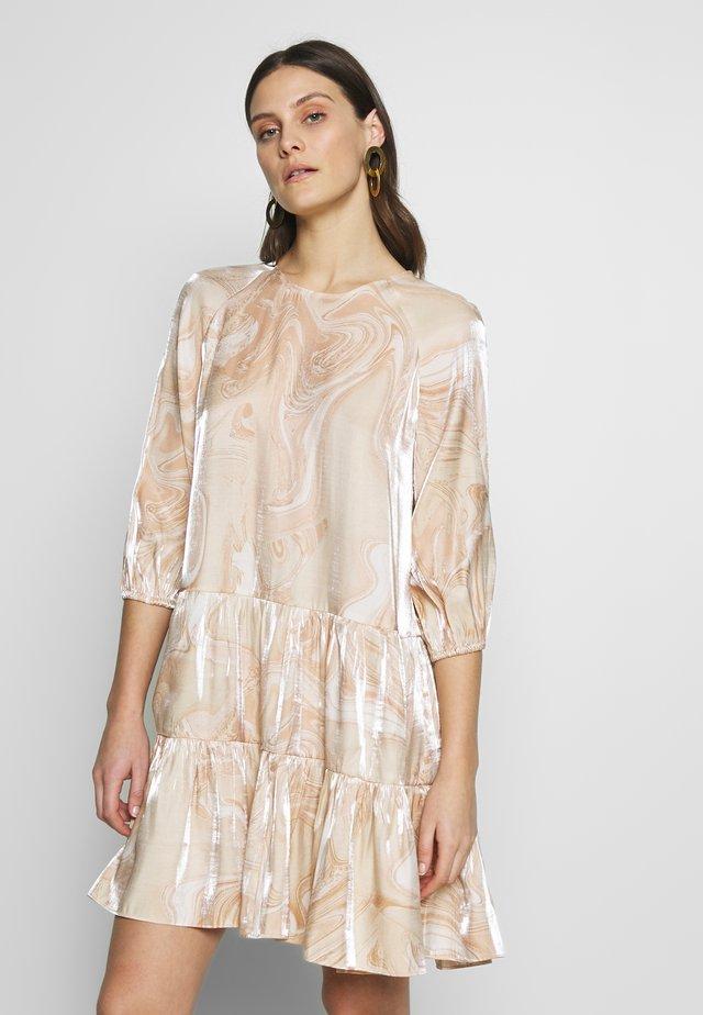 CHERIEIW DRESS - Denní šaty - swirly