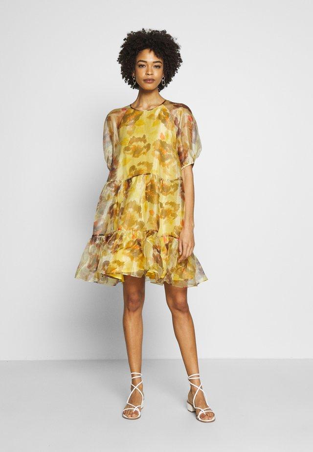IMANIIW DRESS - Denní šaty - watercolour