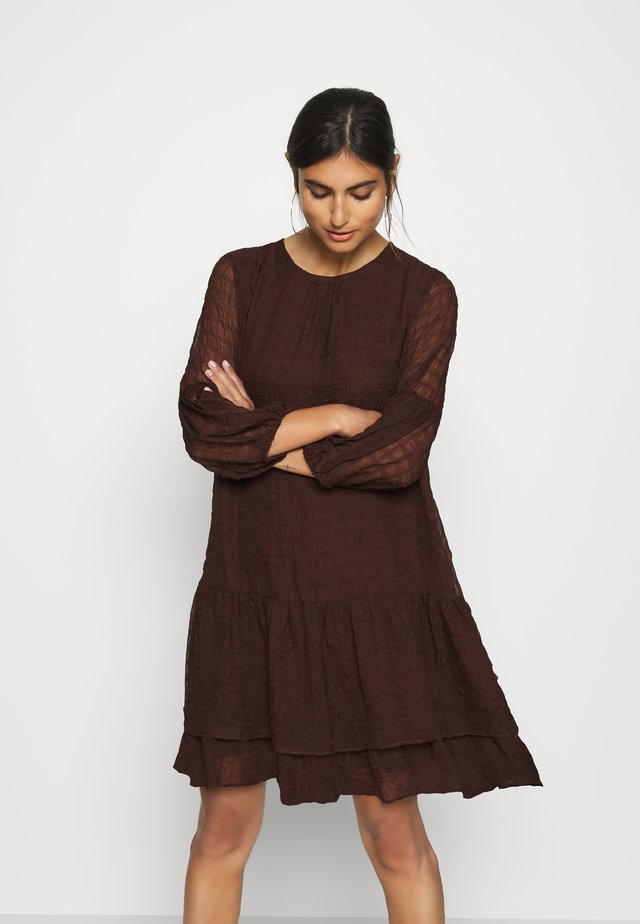 PAKWAIW DRESS - Sukienka letnia - coffee brown