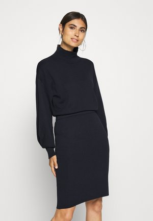 WANETTA ILZE DRESS - Strikkjoler - marine blue