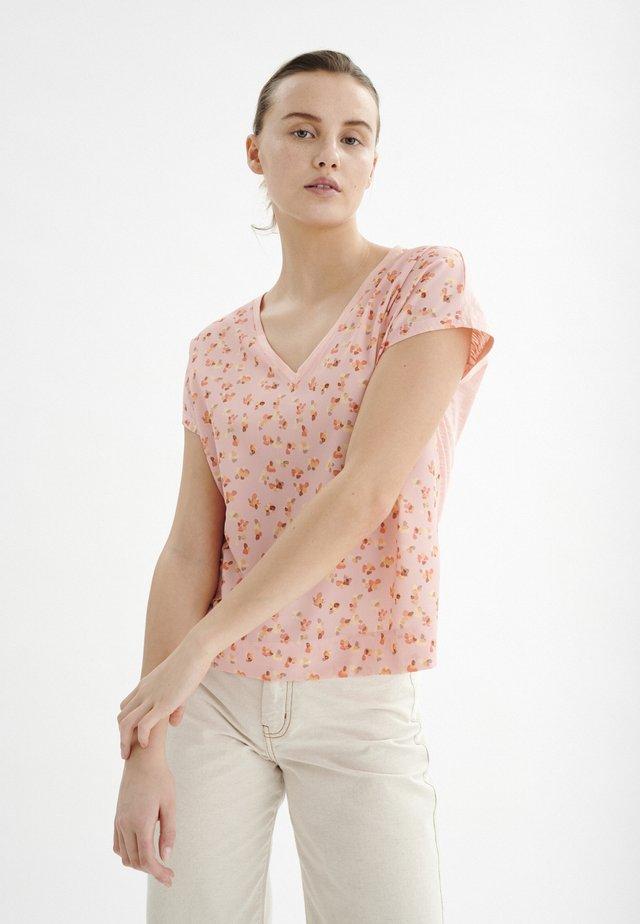 T-shirt print - rose peach poetic flower