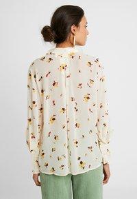 InWear - KATHYIW BLOUSE - Button-down blouse - french nougat - 2